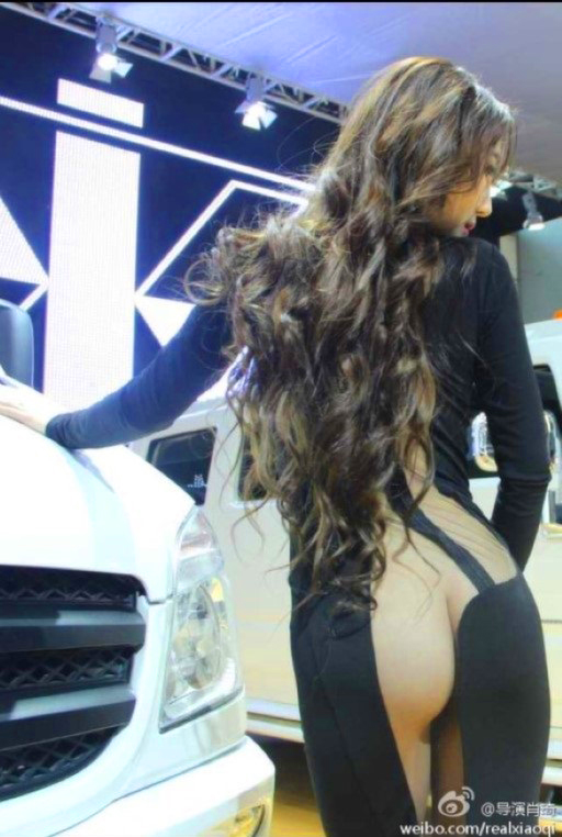 model-naked-auto-show-7
